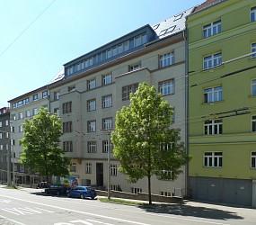 Prodej bytu 3+kk 88 m2 s balkonem, Úvoz.