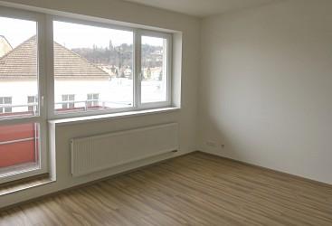 Pronájem bytu 2+kk se dvěma balkony u BVV
